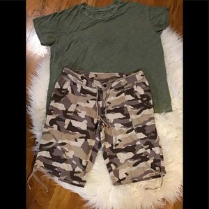 Women's American eagle large top size 10 shorts
